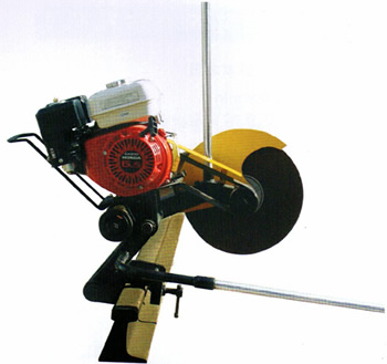 NGJ型内燃钢轨锯轨机